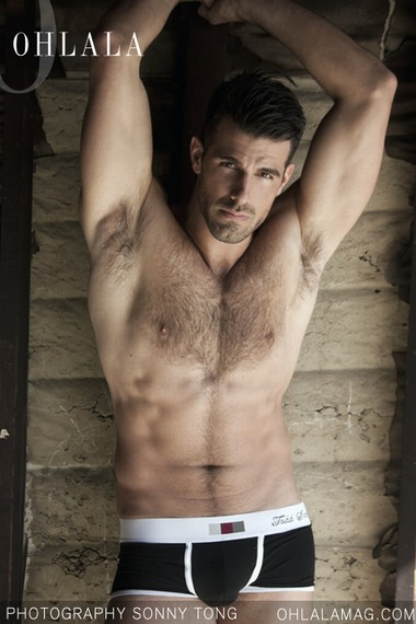 Your Hunk of the Day: Brett Davis