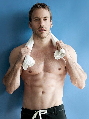 Your Hunk of the Day: Falk Hentschel