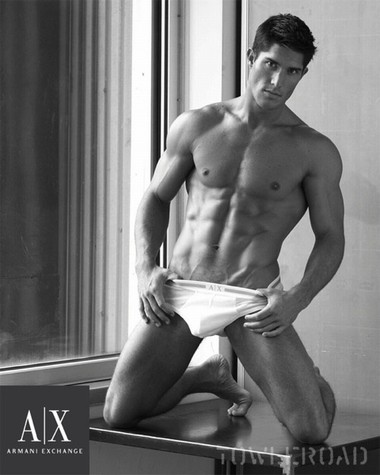Your Hunk of the Day: Ryan Barry